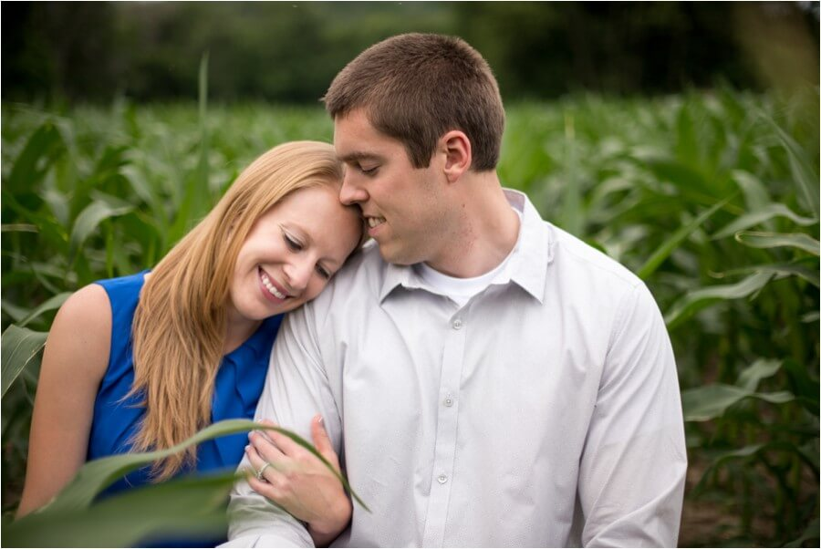 wisconsin-hometown-engagement-session_0013