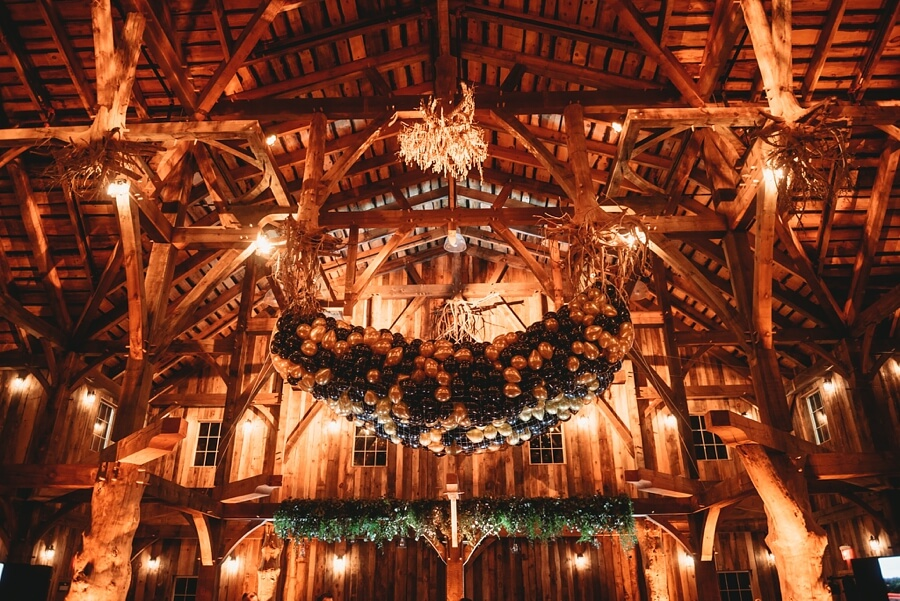 Swan Barn Wedding In Wisconsin Dells Wi Taylor Munir