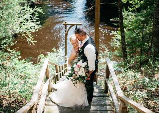 Wisconsin Dells Wedding Venue photographer Wisconsin river spring wedding
