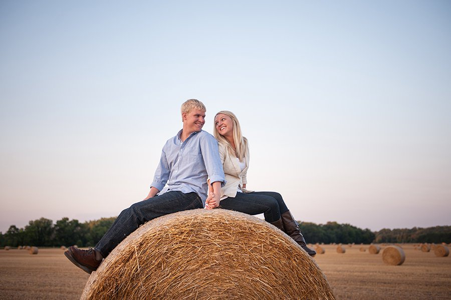 wis-dells-fall-engagement-11.jpg