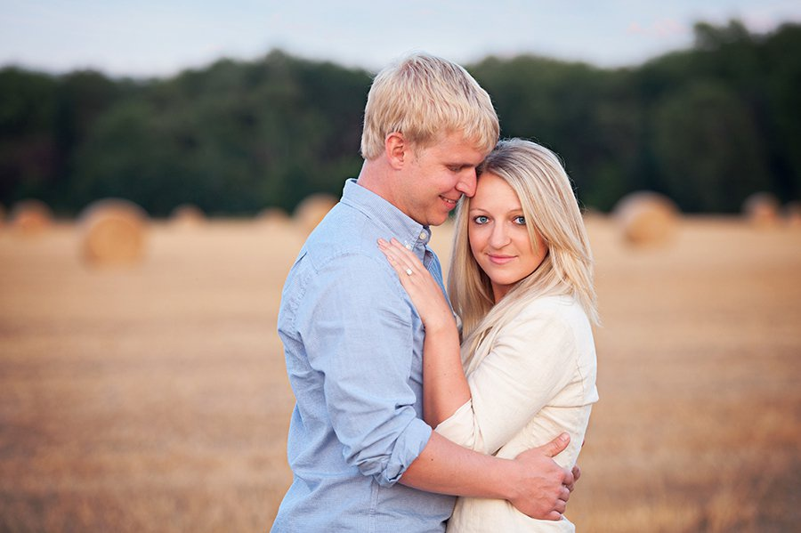 wis-dells-fall-engagement-10.jpg