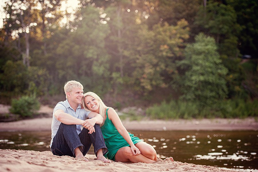 wis-dells-fall-engagement-1.jpg
