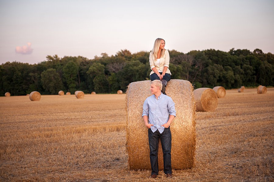 wis-dells-fall-engagement-13.jpg