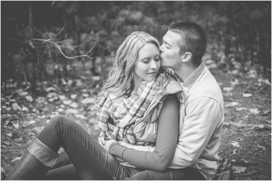 wisconsin-dells-engagement-session_0010.jpg